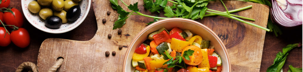 写真:美味しそうな野菜料理